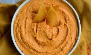 Η συνταγή της ημέρας: Χούμους από κόκκινες φακές
