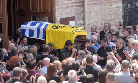 Θεσσαλονίκη: Συγκινητικό το τελευταίο αντίο στον Γιώργο Ποζίδη (pics+vid)