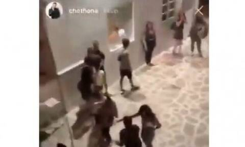 Άγριο ξύλο στην Αντίπαρο - Το σοκαριστικό video που τράβηξε ο γιος του Τομ Χανκς