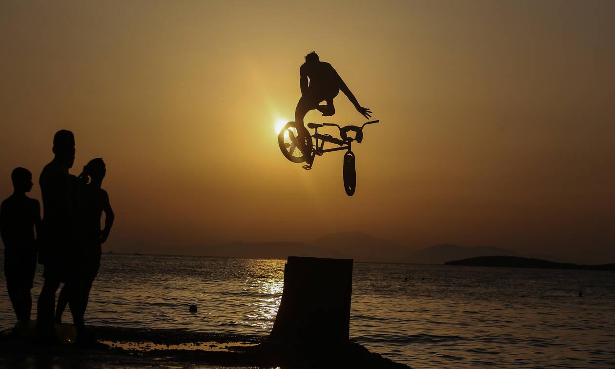 Το BMX, το Καβούρι και οι... βουτιές - Δείτε τις εντυπωσιακές φωτογραφίες