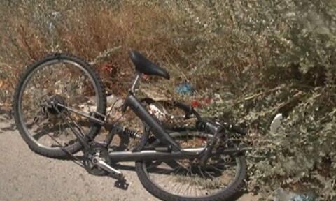 Σοκ στη Σαλαμίνα: Οδηγός παρέσυρε και εγκατέλειψε ανήλικο ποδηλάτη (vid)