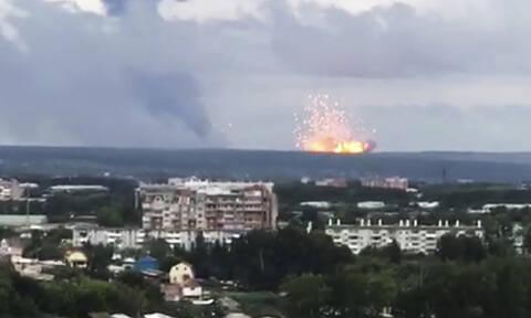 Συναγερμός στη Ρωσία: Έκρηξη σε αποθήκη πυρομαχικών με ένα νεκρό – Απομακρύνονται χιλιάδες άνθρωποι