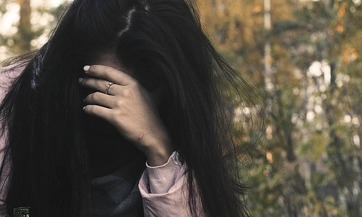 Απίστευτο περιστατικό στο Βόλο: 36χρονος παρενόχλησε ανήλικη μπροστά στους γονείς της