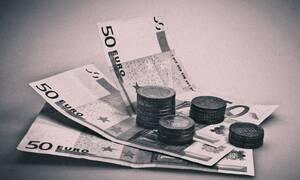 Θρίλερ: Στέλνει φακέλους με χιλιάδες ευρώ – Κανείς δεν ξέρει ποιος είναι!