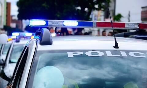 Εικόνα ντροπής: Αστυνομικός πάνω σε άλογο τραβά με σκοινί Αφροαμερικανό