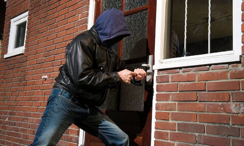 Προσοχή: Αν δείτε αυτά τα σχέδια στην πόρτα του σπιτιού, πάνε να σας κλέψουν! (pics+vid)