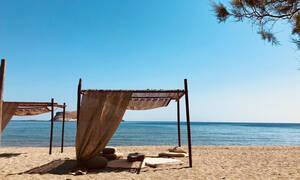 Στο Rochari beach ζεις το πιο… ALOHAri καλοκαίρι της ζωής σου