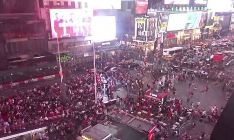 Τρόμος στην Times Square: Άκουσαν έναν θόρυβο και άρχισαν να τρέχουν