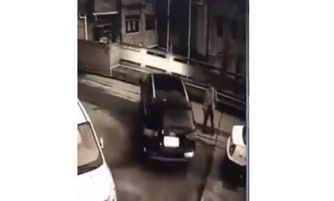 Αυτό είναι το πιο σοκαριστικό ατύχημα σε παρκάρισμα! (video)