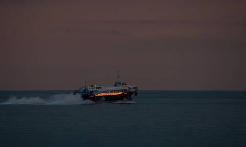 Επιστρέφει εσπευσμένα στον Πειραιά Flying Dolfin με 66 επιβάτες