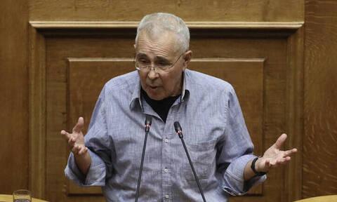 «Θόρυβο» προκάλεσαν τα… γαλλικά του Ζουράρι στη Βουλή