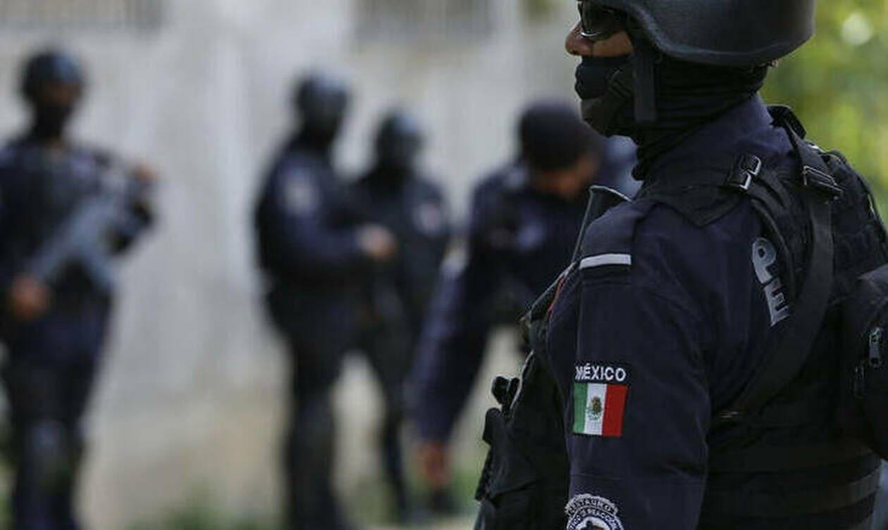 Φρίκη: Βρήκαν 19 διαμελισμένα πτώματα - Κρέμονταν από γέφυρα