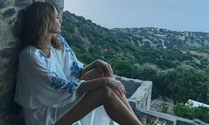 4b4d0547341 Η Αμαλία Κωστοπούλου φόρεσε το πιο στιλάτο ολόσωμο μαγιό του φετινού ...