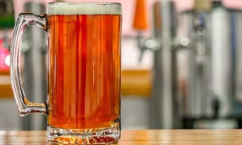 Και όμως! Η μπύρα σε κάνει καλύτερο εραστή