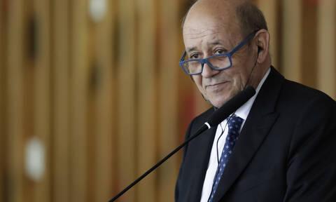 Στην αντεπίθεση η Γαλλία: «Δεν χρειαζόμαστε την άδεια κανενός για να μιλήσουμε» λέει ο ΥΠΕΞ