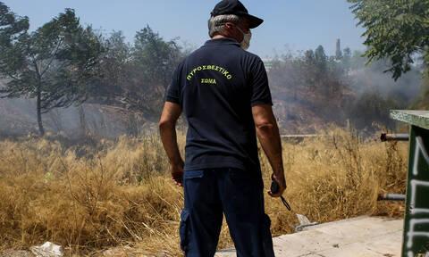 Φωτιά στον Μαραθώνα: Καλύτερη η εικόνα της πυρκαγιάς - Επί ποδός ισχυρές δυνάμεις της Πυροσβεστικής