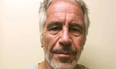 Αυτοκτόνησε ο Τζέφρι Έπσταϊν – Βρέθηκε νεκρός στο κελί του