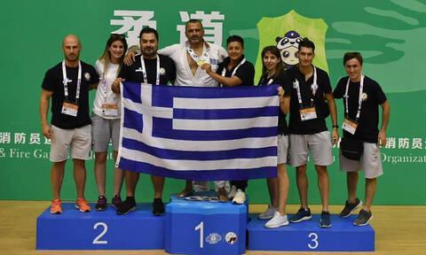 Χρυσό μετάλλιο ο Πετράκης, στο υψηλότερο σκαλί η Αθλητική Ένωση Αστυνομικών Ελλάδος