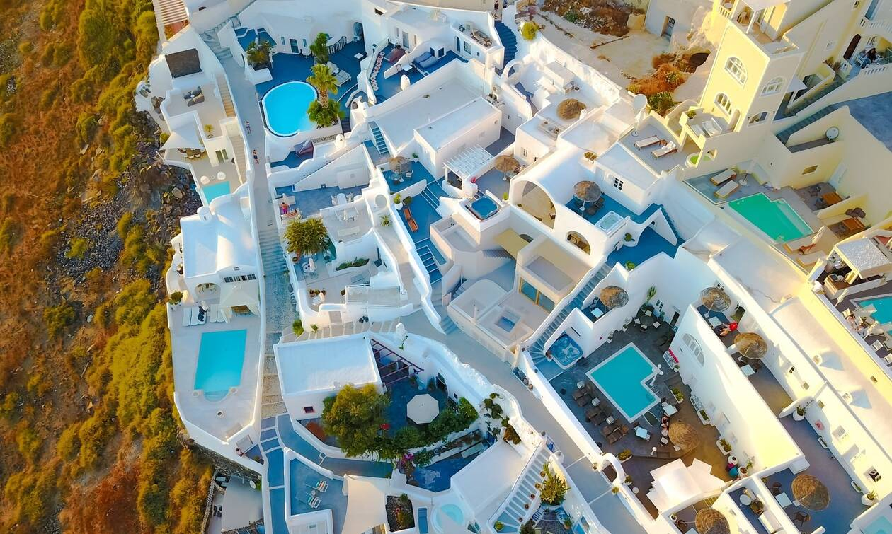 Conde Nast Traveller: Δύο ελληνικά νησιά ανάμεσα στους 25 κορυφαίους προορισμούς για τον Σεπτέμβρη