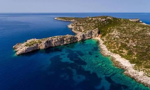 Το άγνωστο ελληνικό νησί σε σχήμα κροκόδειλου (vid)