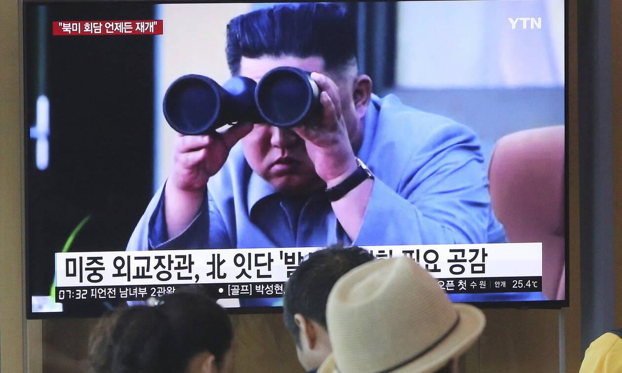 Βόρεια Κορέα: Ο Κιμ Γιονγκ Ουν επιθεώρησε τη δοκιμή ενός «νέου όπλου»