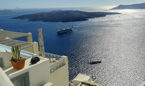 Θρίλερ στη Σαντορίνη: Στο νησί τουρκικό κυβερνητικό αεροσκάφος - Τι συνέβη