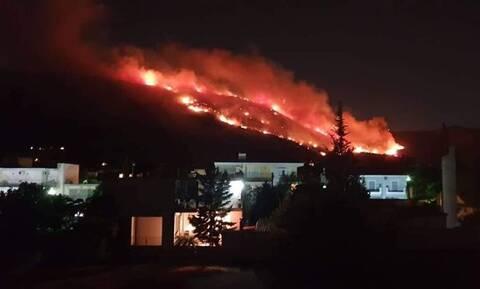 Φωτιά Υμηττός: «Άκουσα έκρηξη πριν ξεσπάσει η φωτιά»