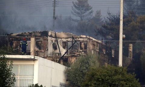 Φωτιά Υμηττός: Κάηκαν δύο σπίτια