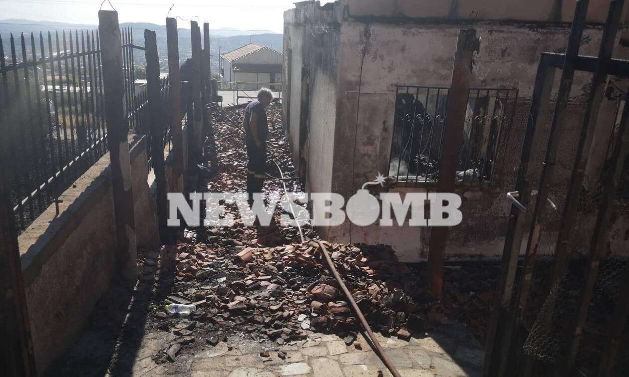 Φωτιά Υμηττός: Φωτογραφίες σοκ από καμένο σπίτι