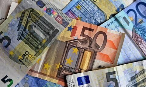 «Βρέχει» χρήματα τις επόμενες μέρες: Πότε πληρώνονται συντάξεις και επιδόματα