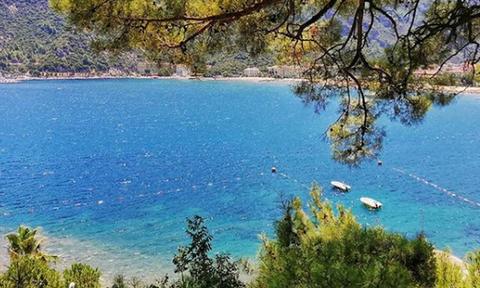 Γιατί κανένας δεν πλησιάζει αυτή την παραλία στη Μαρμαρίδα;