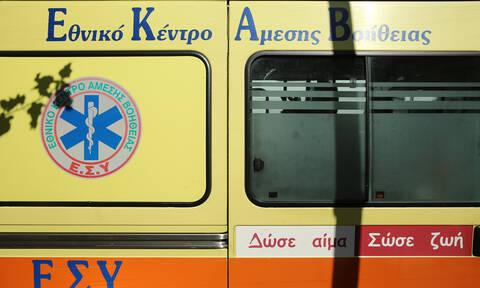 Σοβαρό τροχαίο στην Αθηνών - Πατρών: Εκτροπή οχήματος με δύο τραυματίες (pics)