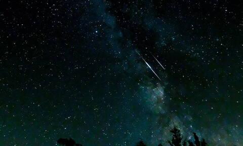 Περσείδες: Δείτε τώρα τον ουρανό - «Βρέχει» αστέρια! (vid)