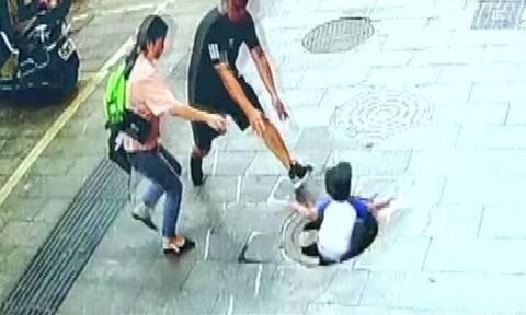 Video - σοκ: Τρίχρονος πέφτει σε φρεάτιο