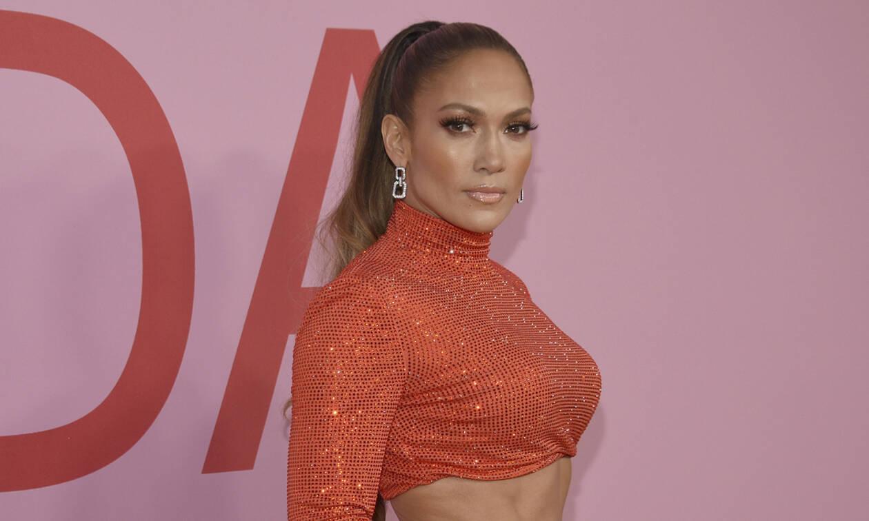 Jennifer Lopez: Η πιο καυτή της φωτογραφία με μαγιό που ενθουσίασε το Instagram