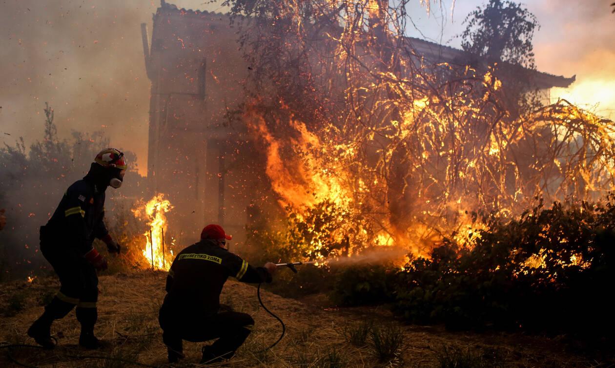 Φωτιά Εύβοια: Καίγεται το χωριό Μακρυμάλλη - Εκκενώθηκε και το Κοντοδεσπότι - Δραματικές ώρες