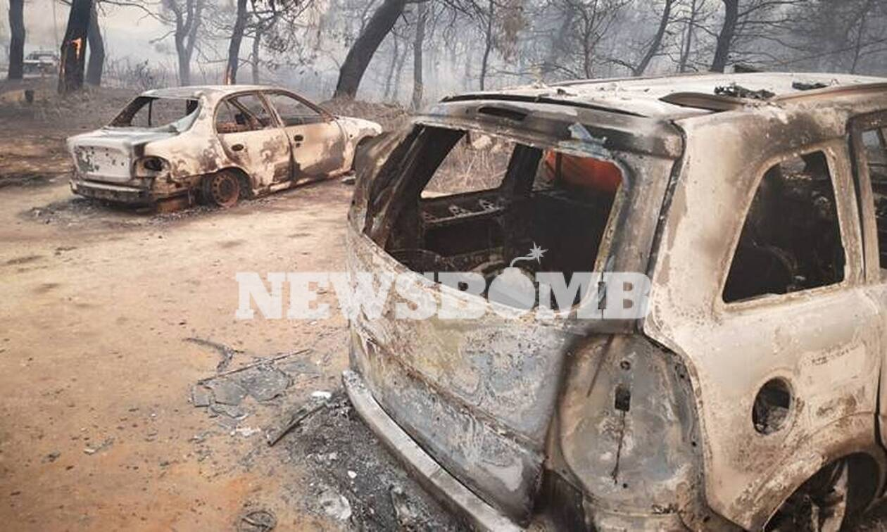 Φωτιά Εύβοια: Εικόνες βιβλικής καταστροφής - Καμένα αυτοκίνητα και περιουσίες