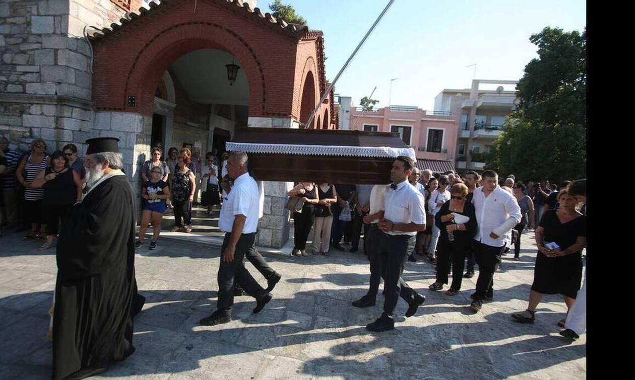 «Τελευταίο αντίο» στον ήρωα- ψαρά  Κώστα Αρβανίτη - Κηδεύτηκε δημόσια δαπάνη