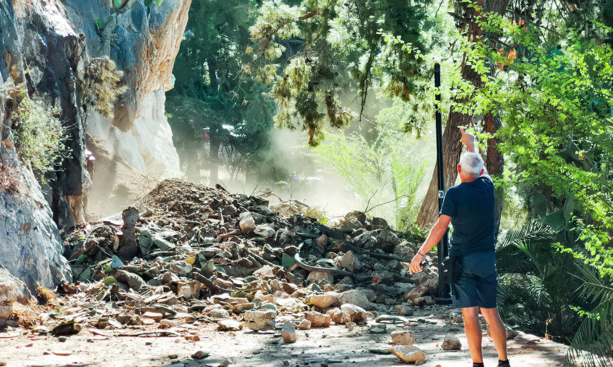 Τρόμος στο Ναύπλιο: Έτρεχαν να σωθούν - Εικόνες σοκ σε παραλία