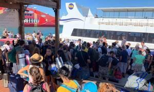 Απίστευτη ταλαιπωρία στο λιμάνι της Σαμοθράκης για ένα εισιτήριο