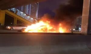 Στις φλόγες ένα ακόμα Tesla στην Μόσχα