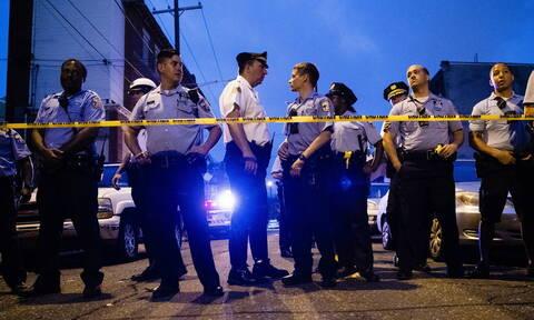 ΗΠΑ: Έξι αστυνομικοί τραυματίστηκαν από πυρά ενόπλου στη Φιλαδέλφεια - Άλλοι δύο κρατήθηκαν όμηροι