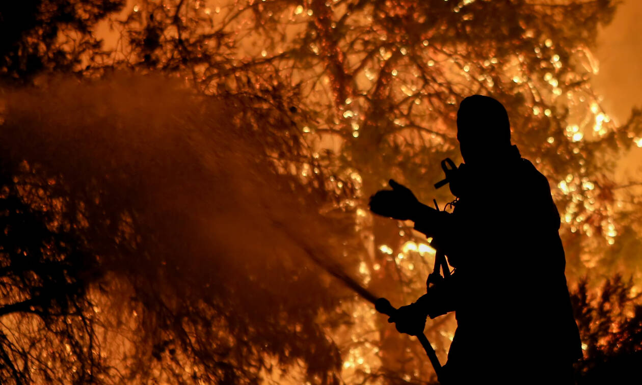 Φωτιά Εύβοια: Χωρίς ενεργό μέτωπο – Μάχη για να οριοθετηθεί - Τρεις ύποπτοι για εμπρησμό