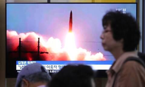Η Βόρεια Κορέα συνεχίζει να προκαλεί με νέες εκτοξεύσεις πυραύλων
