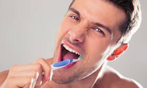 Με αυτές τις τροφές δεν σε νοιάζει να πλύνεις δόντια (pics)