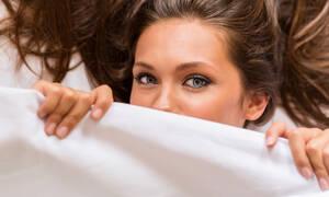 Αϋπνία: Πώς επηρεάζει την εμφάνιση και την επιδερμίδα (εικόνες)
