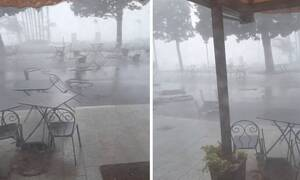 Τρομερή καταιγίδα παρασέρνει τραπέζια και καρέκλες εστιατορίου (vid)