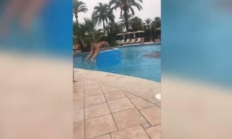Τρομερό fail! Πήγε να πηδήξει στο στρώμα αλλά την… τρόλαρε ο αέρας (vid)