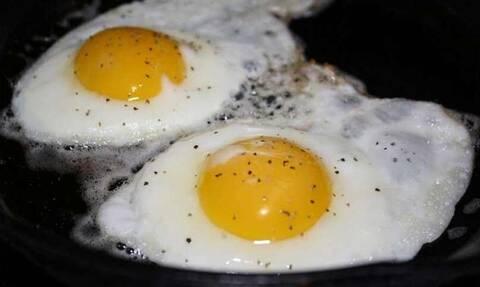 Δώσε βάση: Το βασικό λάθος που κάνεις όταν τηγανίζεις αυγά!