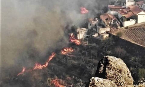 Γκραν Κανάρια: Εκτός ελέγχου η φωτιά - Περίπου 8.000 άνθρωποι έχουν εγκαταλείψει την περιοχή